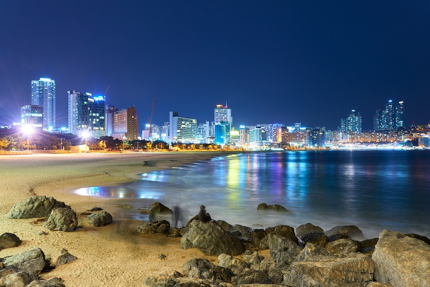 Haeundae beach is Busan's most popular beach because of its easy access from downtown of Busan and the beautiful beach.